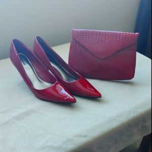 🤩 HOST PICK!🤩 RED HEELS WITH MATCHING CLUTCH!